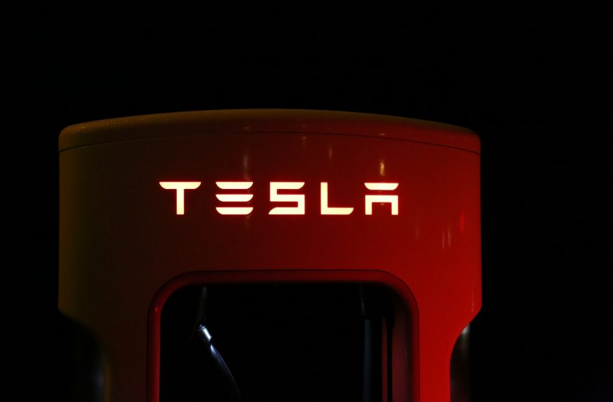 Thinking of Starting a Career at Tesla? Read This Guide