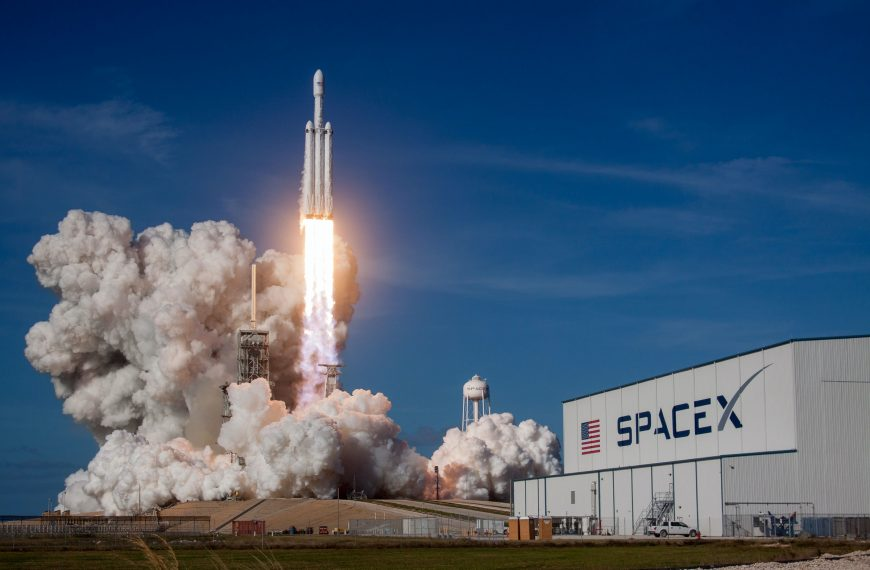 Want to Start a Career at SpaceX? Check Out This Guide