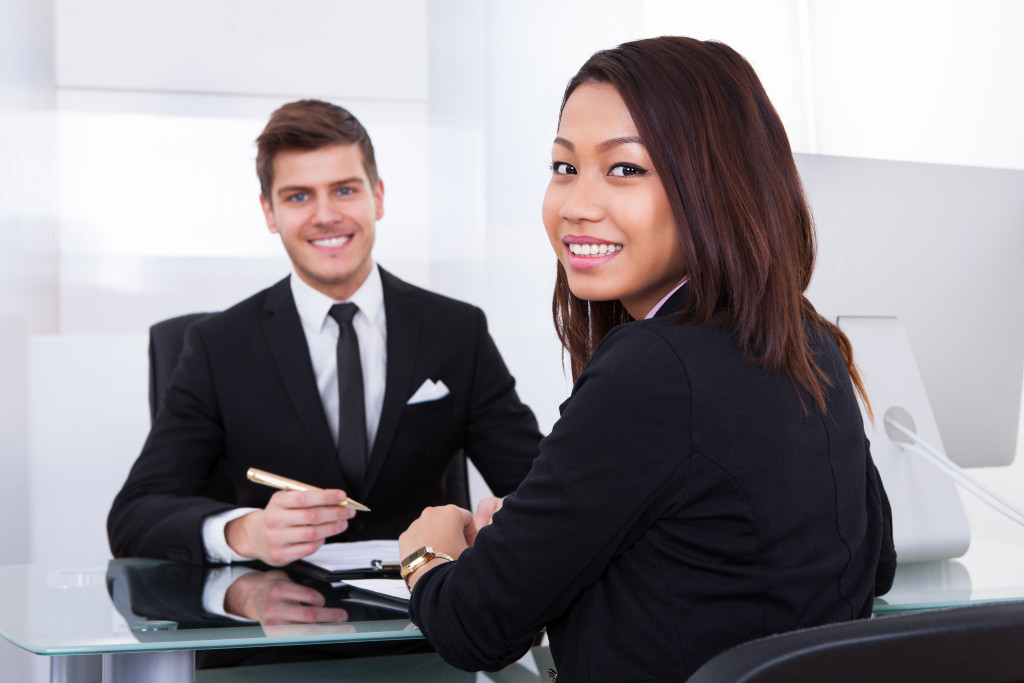 applicant and interviewer